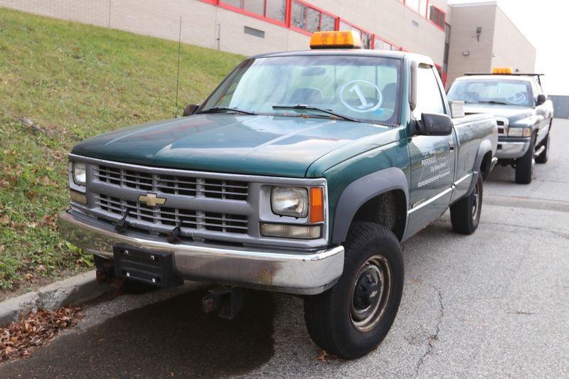 Chevrolet K2500 Cheyenne 2 Door Pickup Truck Mileage 108 142 Engine 5 7l V8 Sfi Chevrolet Trucks Classic Trucks Trucks