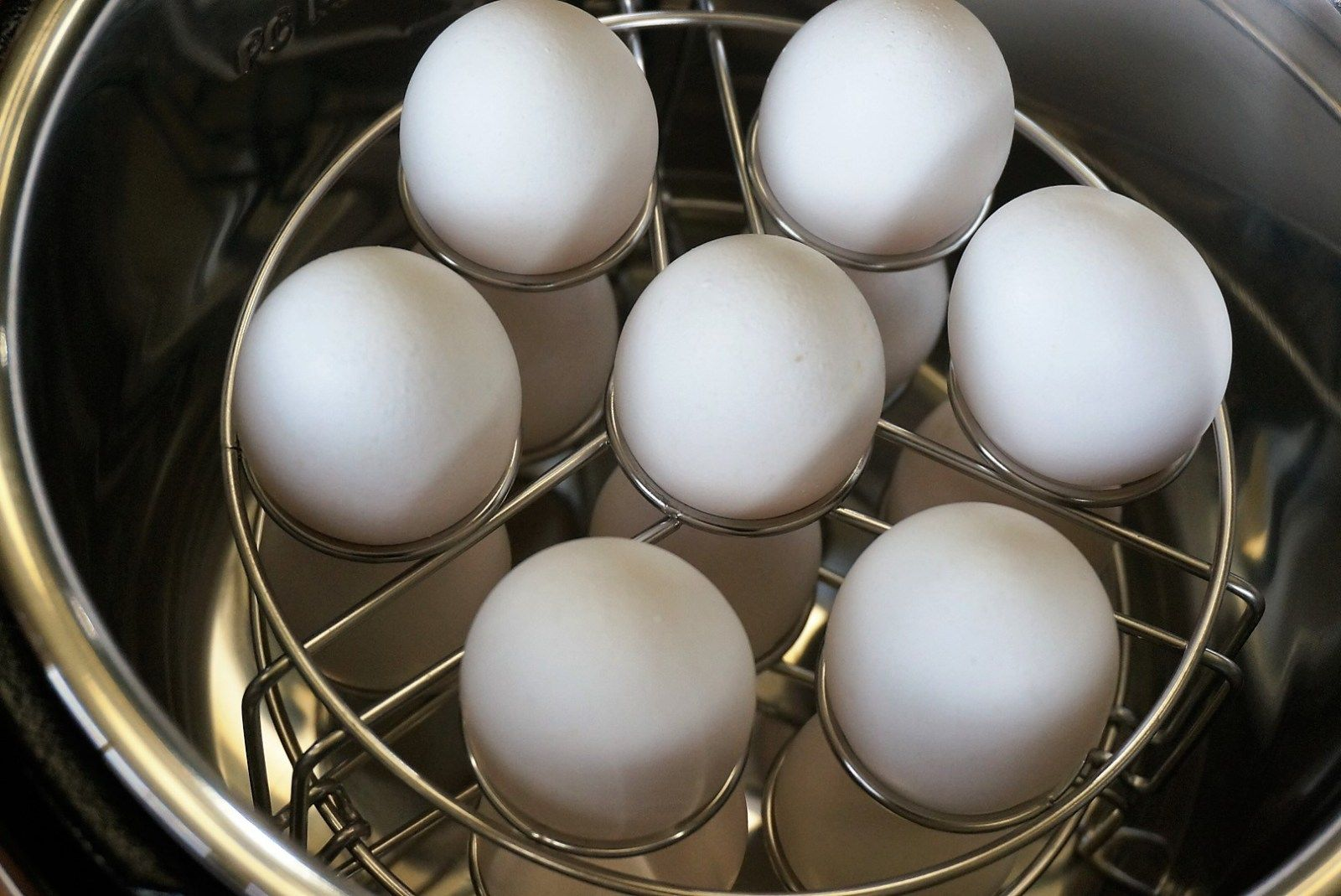 Instant Pot Hard-Boiled Eggs | Grace Like Rain Blog #hardboiledeggs