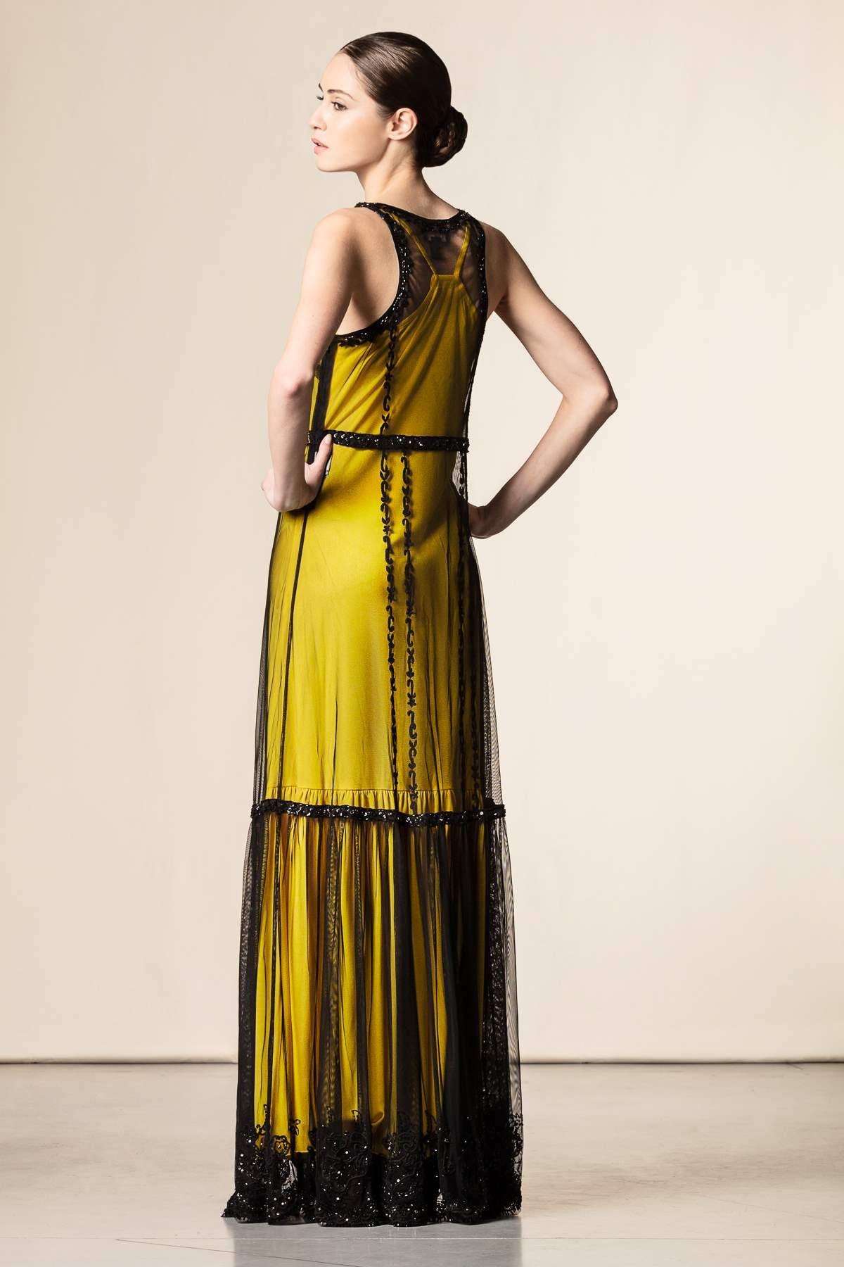 Vestito lungo con tulle e pietre nero giallo - Abiti lunghi - Abbigliamento  - Collezione Donna.  fashion  perfectdress  event  shopping  shoponline ... 0c5d771ec7a