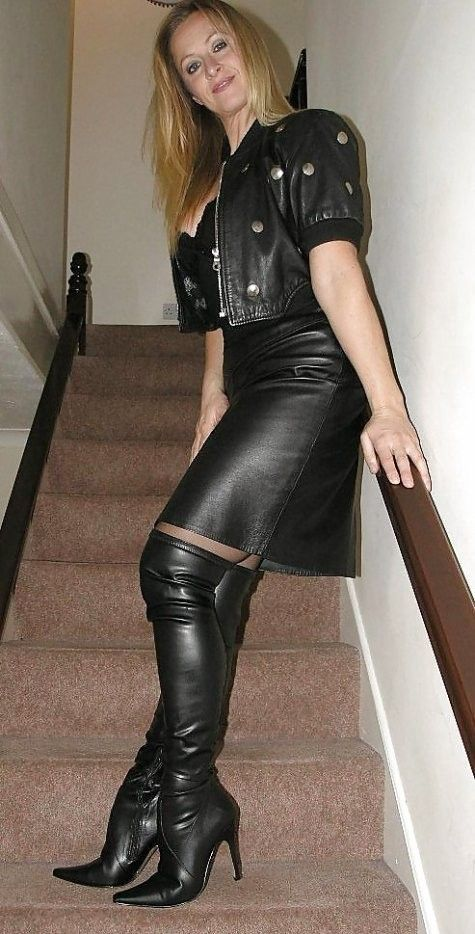 Sexy milf in leather | leather | Pinterest | Leather, Heel boots ...