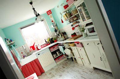 strawberry 'n' aqua kitchen <3