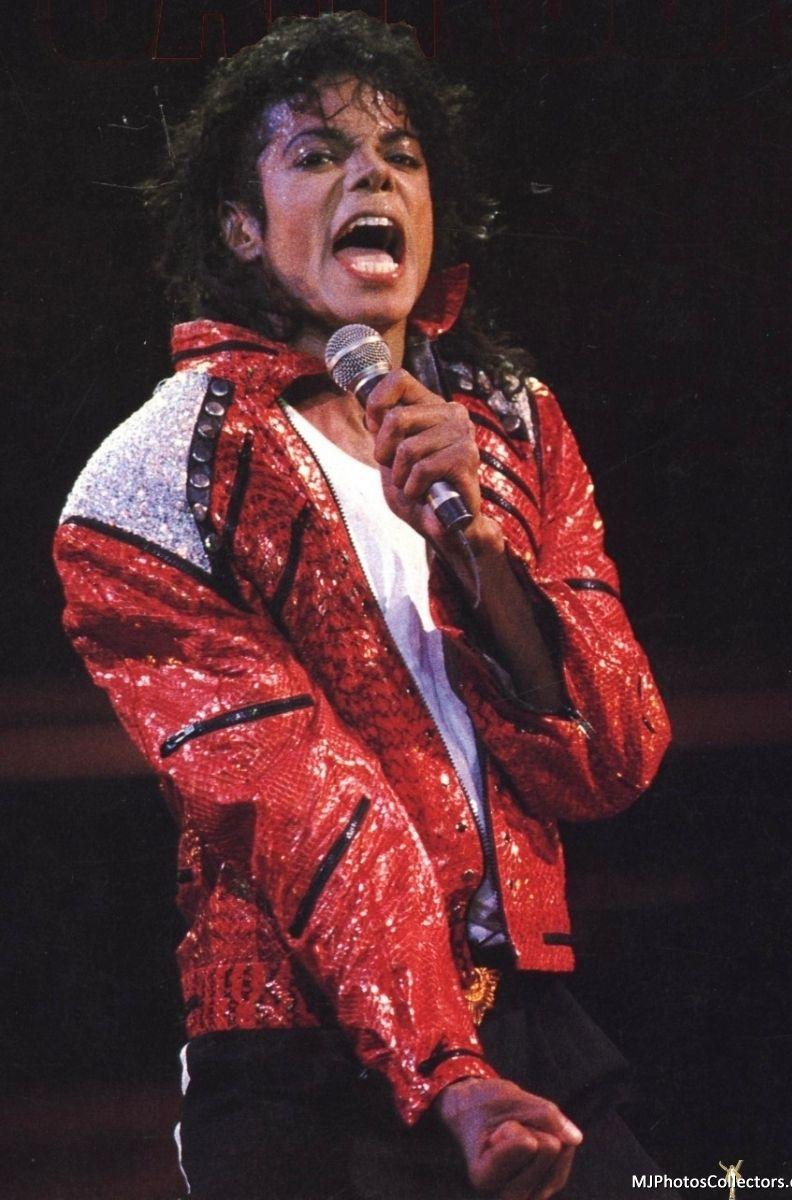 ♥ Michael Jackson ♥ Performance Beat It - BAD World Tour