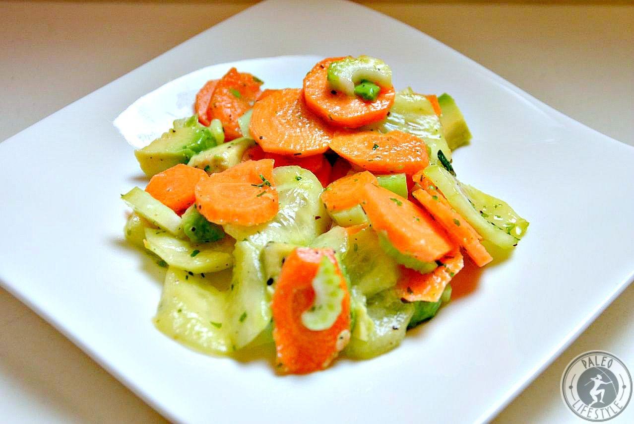 Karotten-Gurkensalat