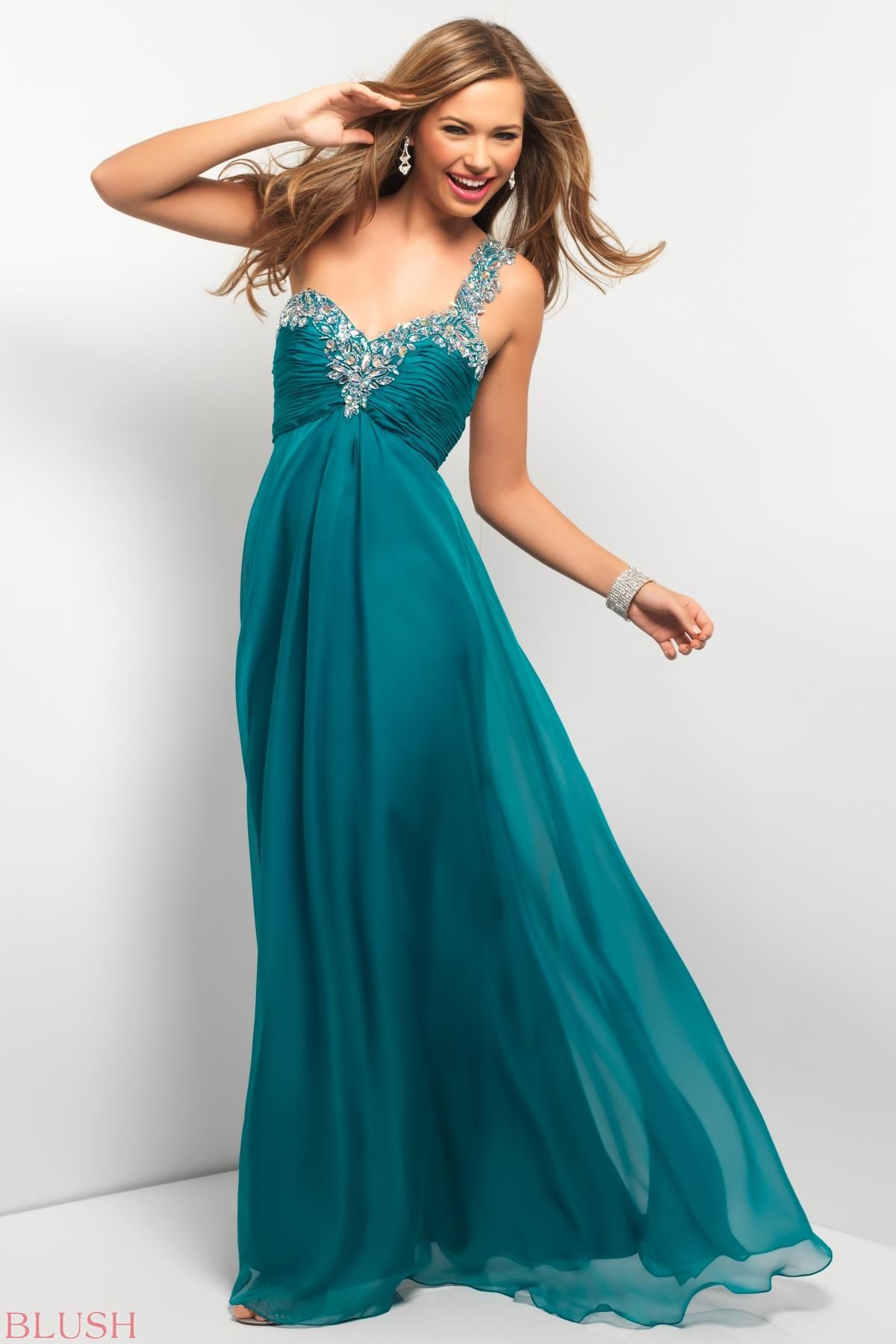 Gorgeous chiffon gown! This elegant one-shoulder is stunning with ...