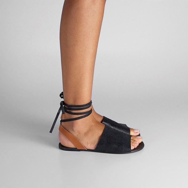 2a180c5f98 Rasteira  chinelo de dedo ou sandália baixa