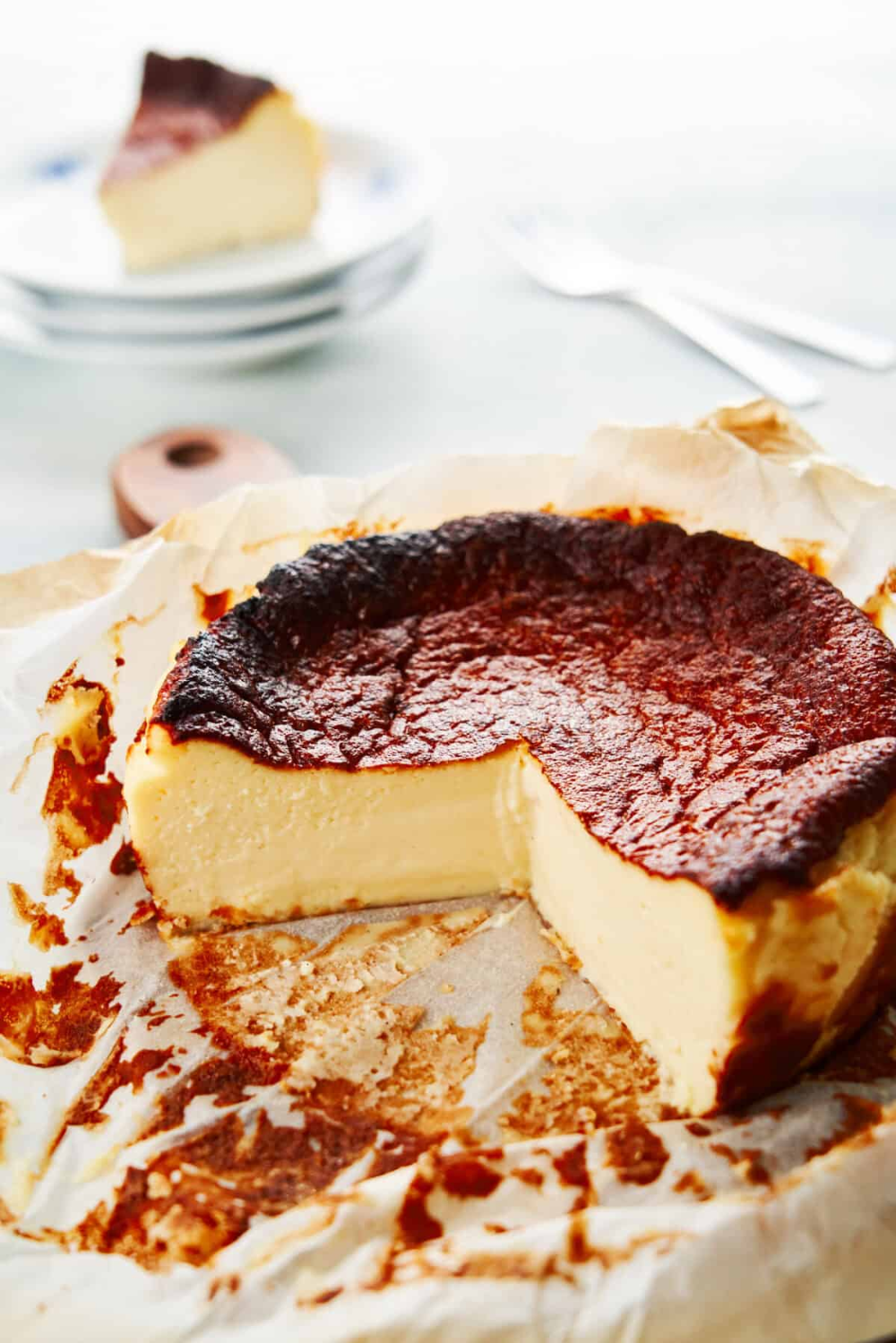 "EASY ""Burnt"" Basque Cheesecake Recipe (Tarta de Queso)"