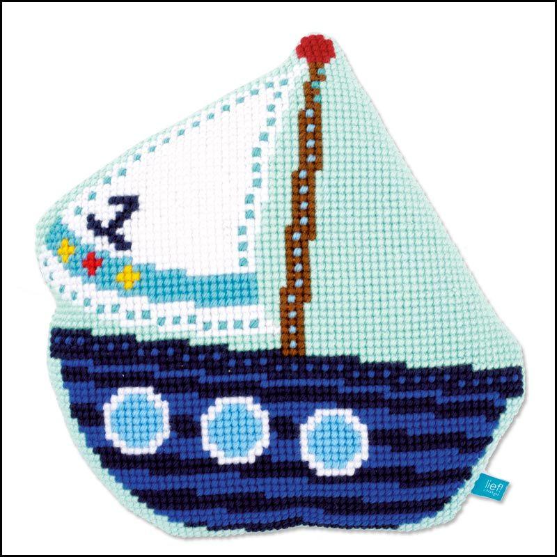 <h2>Coussin Point de Croix Petit bateau</h2>