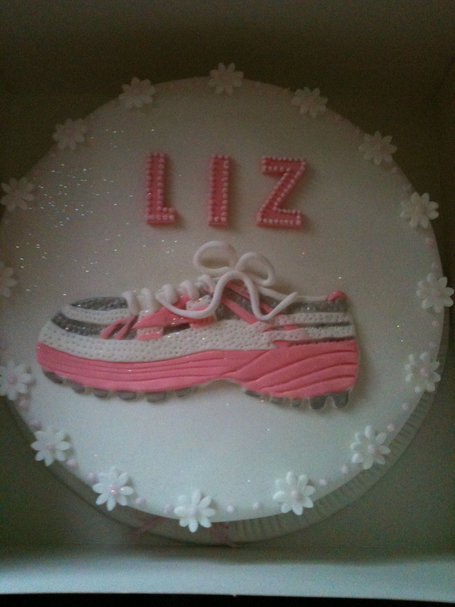 Runners Birthday Cake And Its Pink Too Yay Life Is Better In