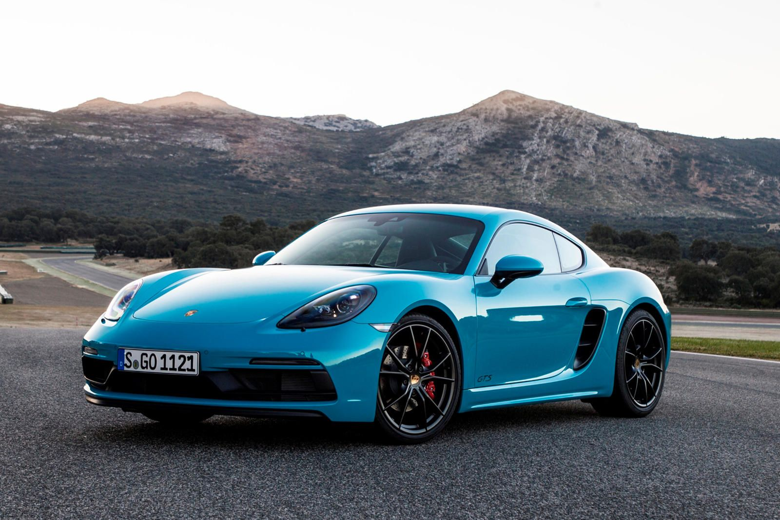 20192020 Porsche 718 Cayman Front Angle View in 2020