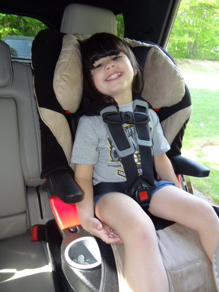 DSC03907- Britax Frontier 85 Car Seat Review-Giveaway! The mommyhood ...
