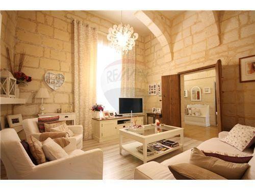 Indulgence Divine In Vittoriosa Malta