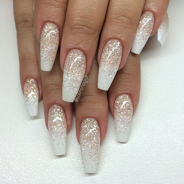 Love these glitter tip nails - Snow White