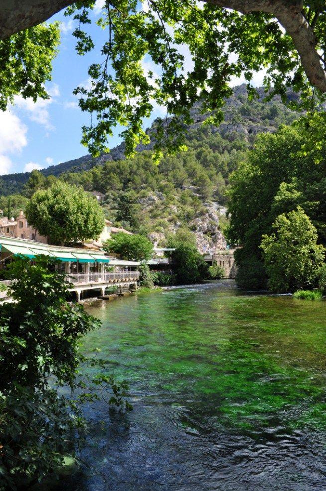 Fontaine De Vaucluse Abbaye De Sénanque Gordes E Saint Rémy De Provence Na Região Da Provença França Ligado Em Viagem França Provença Viagem