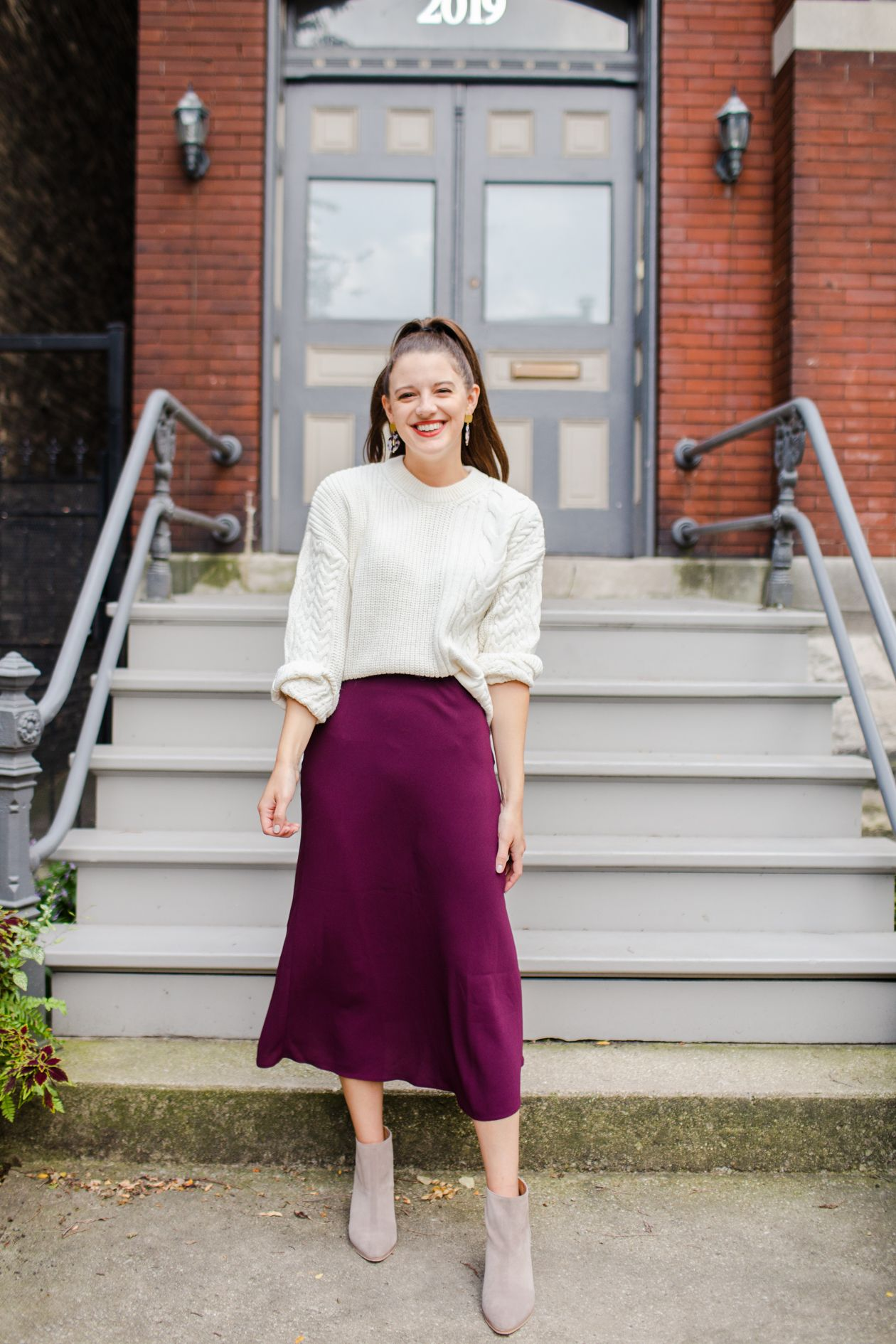How To Wear A Midi Skirt With Chunky Sweater The Golden Girl Midi Skirt Fashion Pleated Long Skirt [ 1890 x 1260 Pixel ]