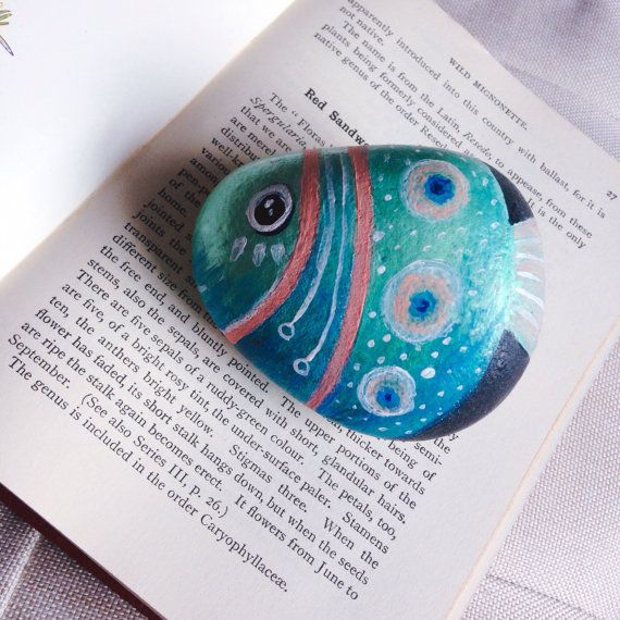 Fish painted stone paperweight, fish painted pebble ornament, hand painted rock paperweight, painted beach stone