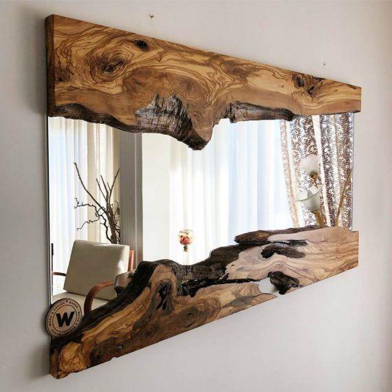 Specchio da parete di design con cornice in legno massello