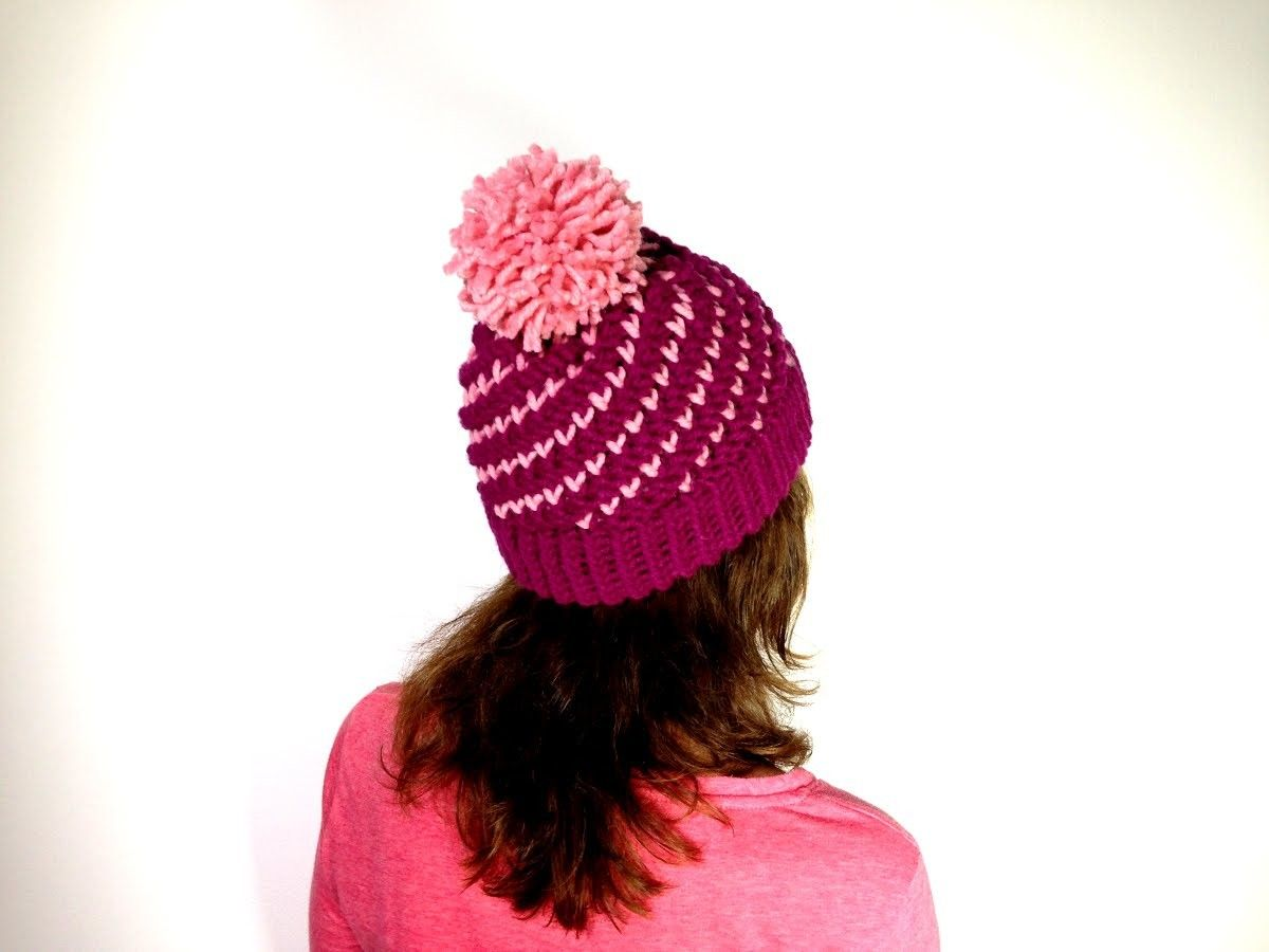 How to Loom Knit a Bicolor Mini Hearts Spiral Hat (DIY Tutorial ...