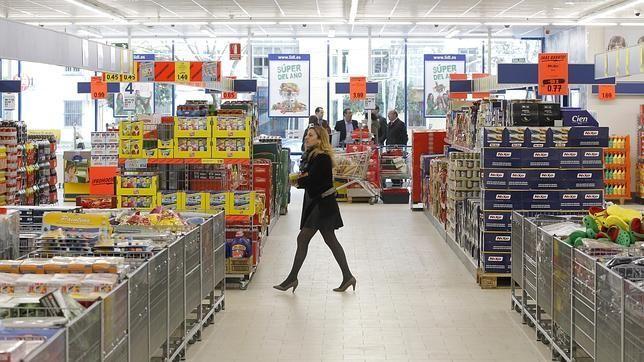 Mercadona, Dia y Carrefour, las cadenas preferidas para hacer la compra