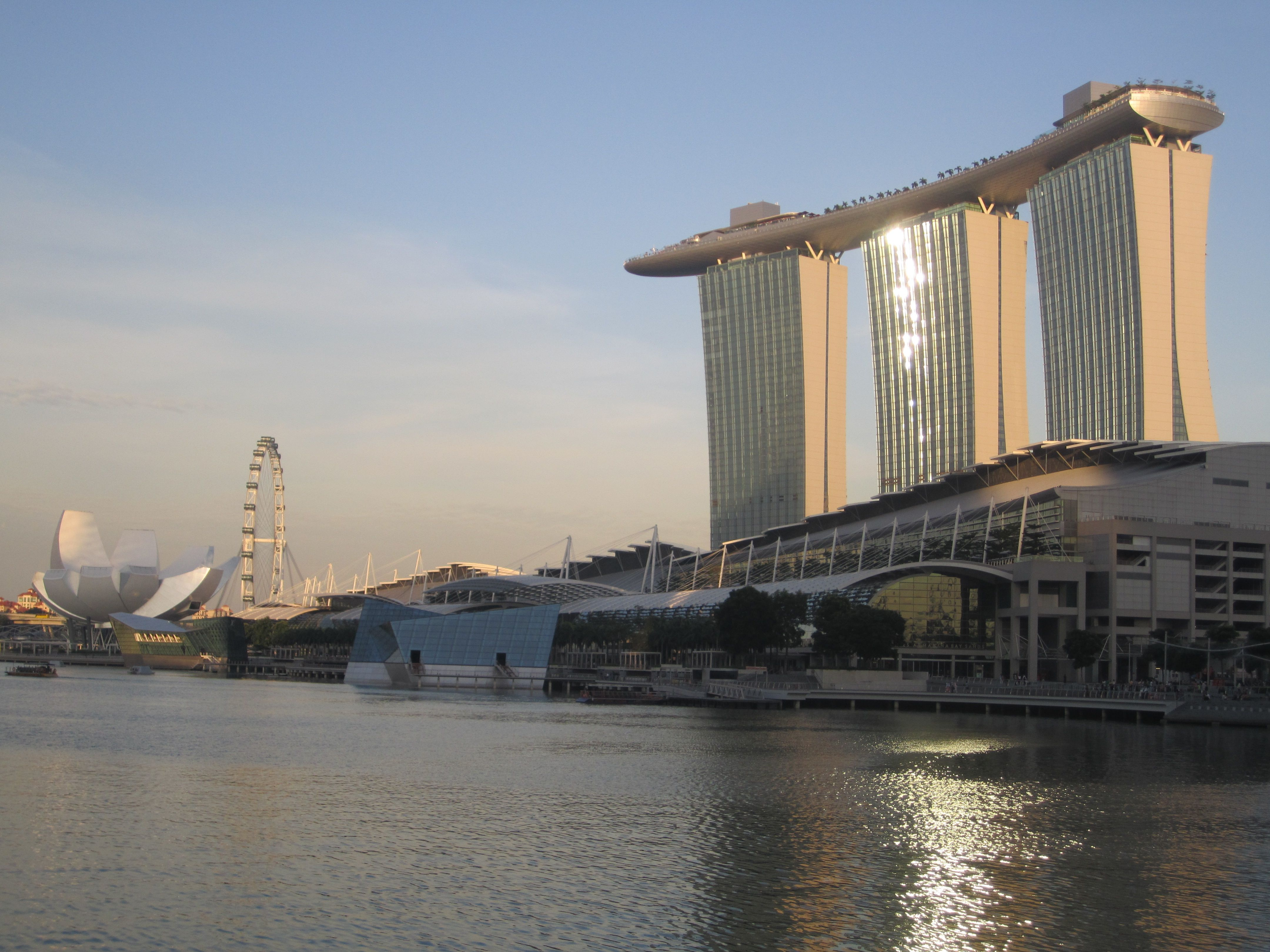 The Mere lion Essence of Singapore