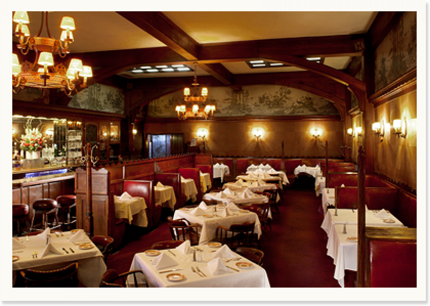 Hollywood S Oldest Restaurant Musso Frank Has Played An Important Role In The Film Industry Since M Classic Restaurant Restaurant Hollywood Restaurants