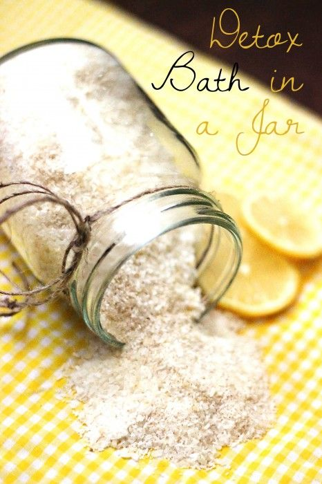 Detox Bath in a Jar with Free Printable  http://www.sweettmakesthree.com/2014/01/detox-bath-jar-free-printable/