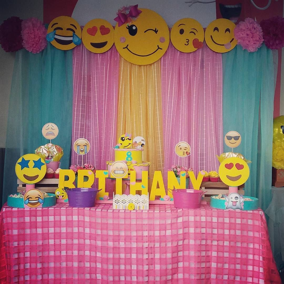Emojiparty birthday party ideas en 2019 emoji fiesta for Emoticones para instagram