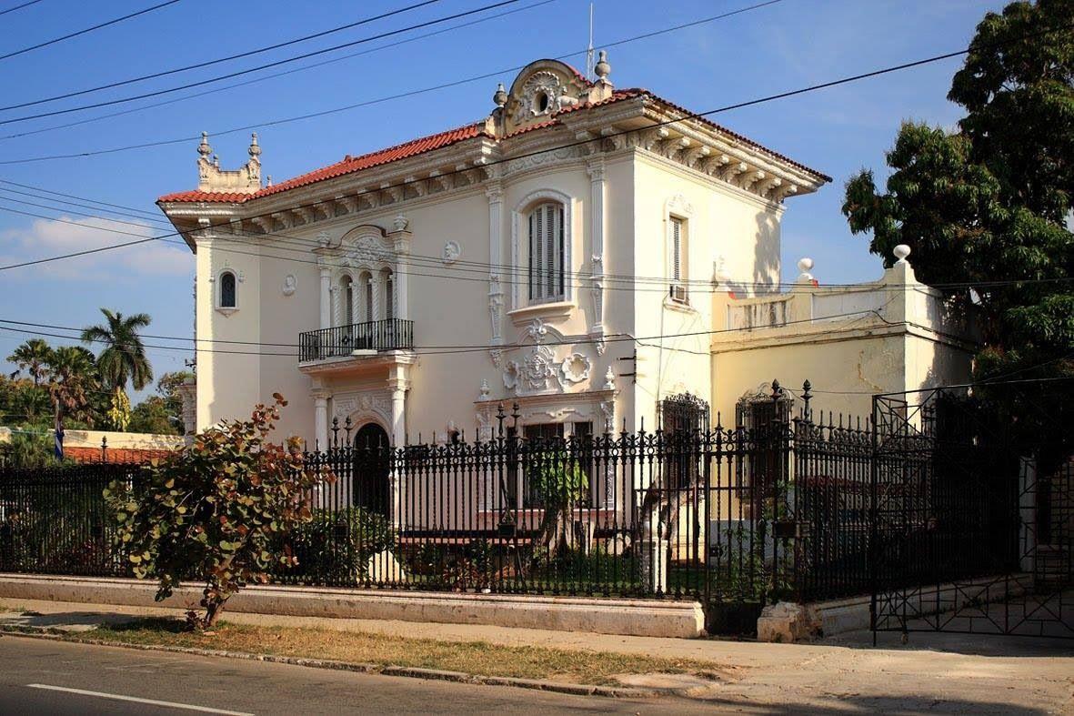 Mansiones del Vedado Havana cuba, Cuban architecture, Cuba