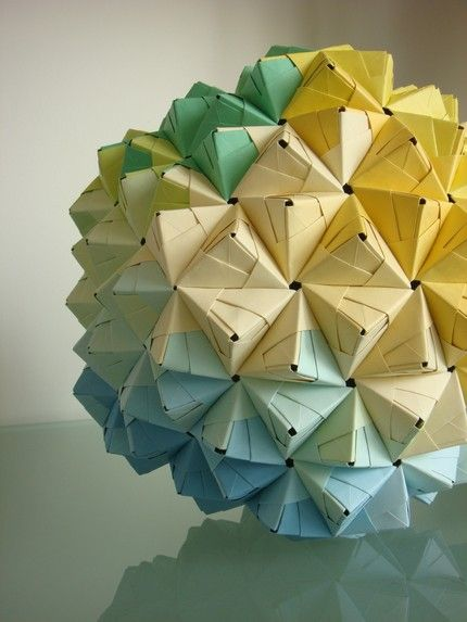 Curved-crease origami. (a) Simple examples of curved-crease ... | 573x430