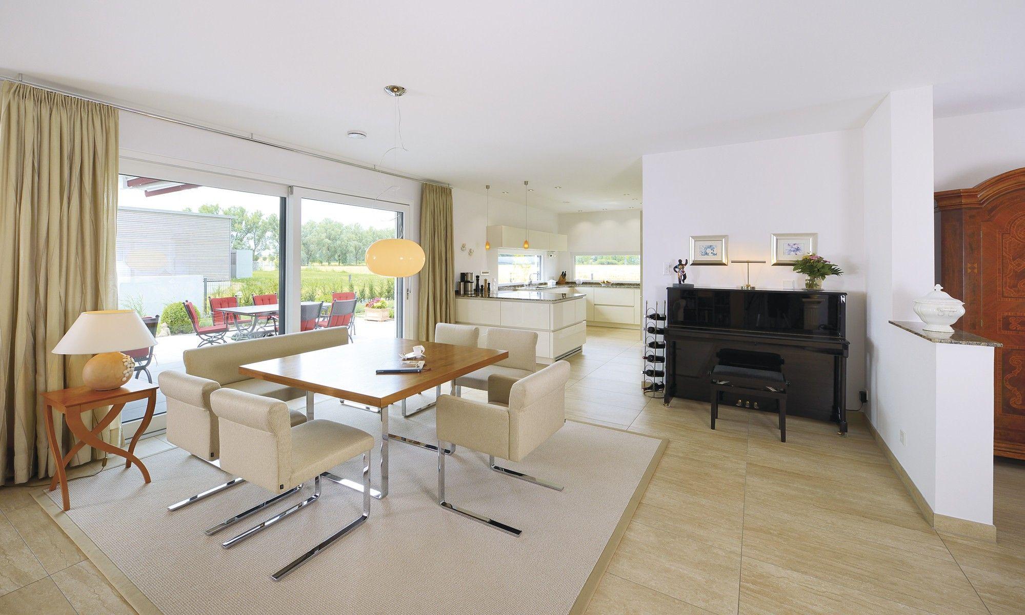 Wohn-Essbereich offen mit Küche - Einrichtung WeberHaus Bungalow ...