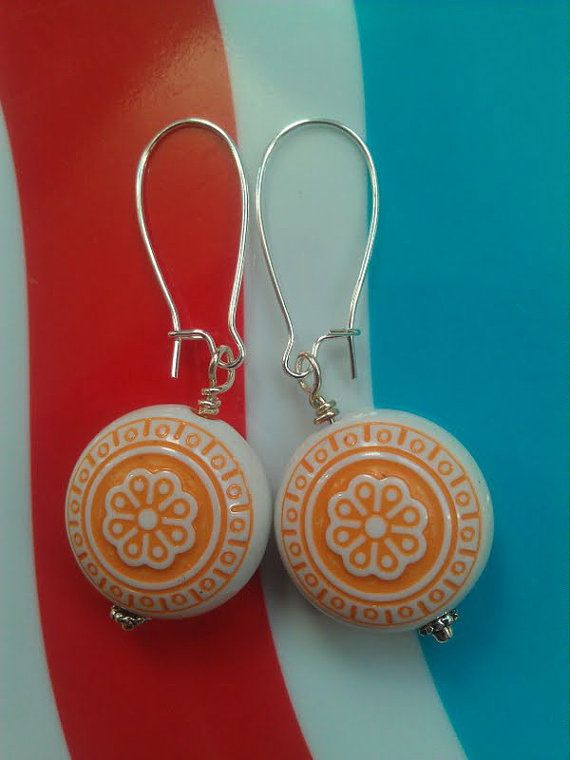 Vintage Lucite Orange Flower Earrings ($22)