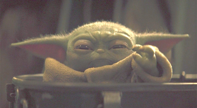 What If The Mandalorians Baby Yoda Is Secretly Evil In 2020 Yoda Funny Yoda Meme Funny Memes