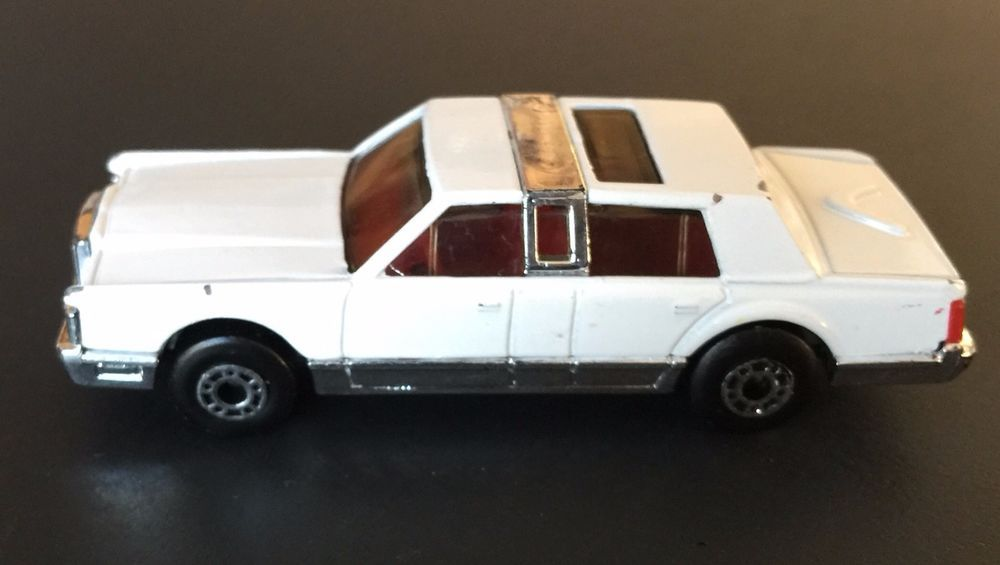 Vintage Matchbox Diecast White Lincoln Town Car 1 76 Made In