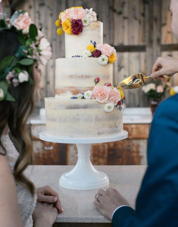 Beautiful naked wedding cake inspiration - wedding cake ideas #nakedweddingcake #twotiers #threetiers #weddingcake
