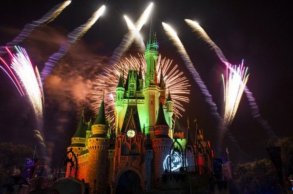 13 Photos of \u0027Happy HalloWishes\u0027 Fireworks from Mickey\u0027s Not-So - not so scary halloween decorations