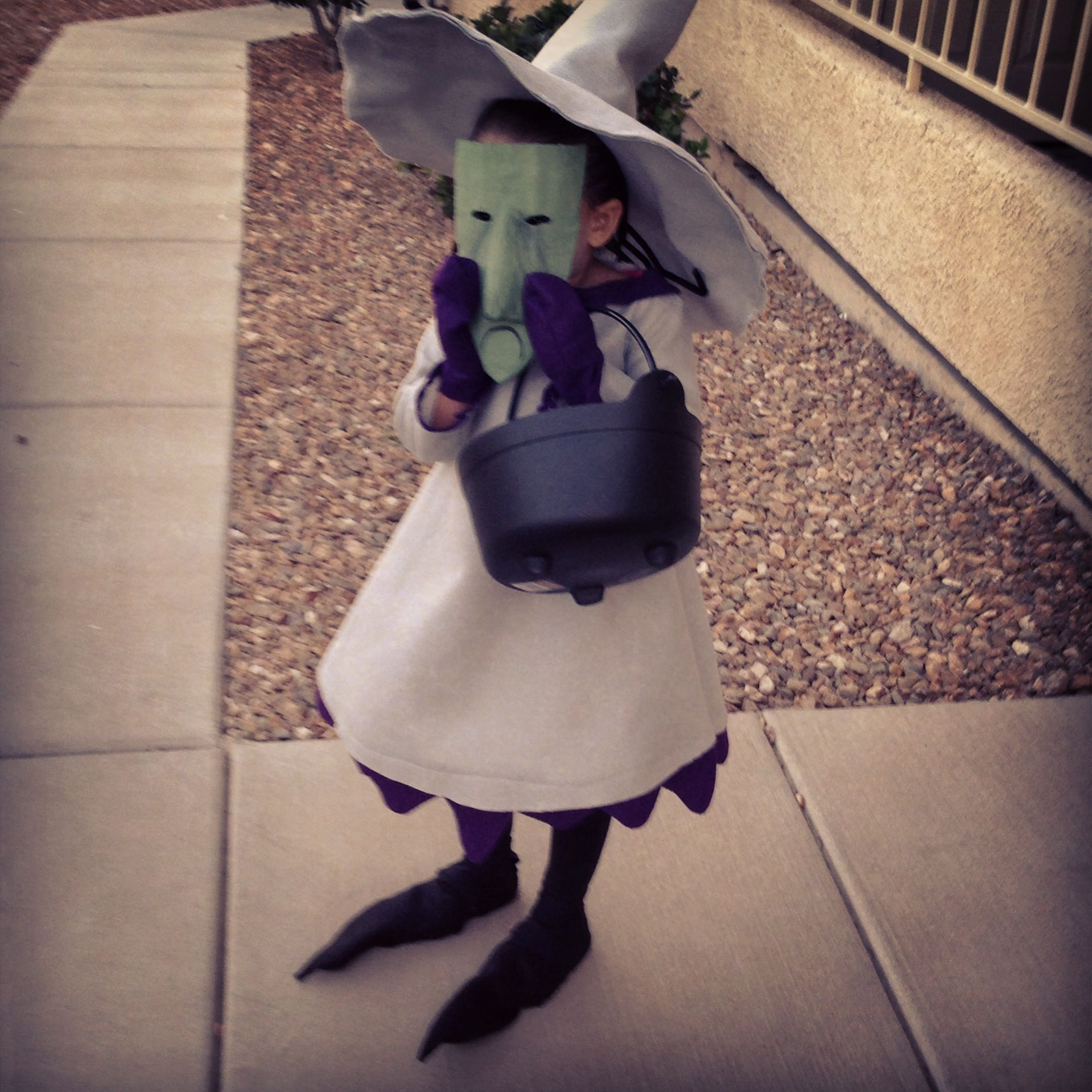 Kinda thinking of dressing my daughter like this. Nightmare before ...