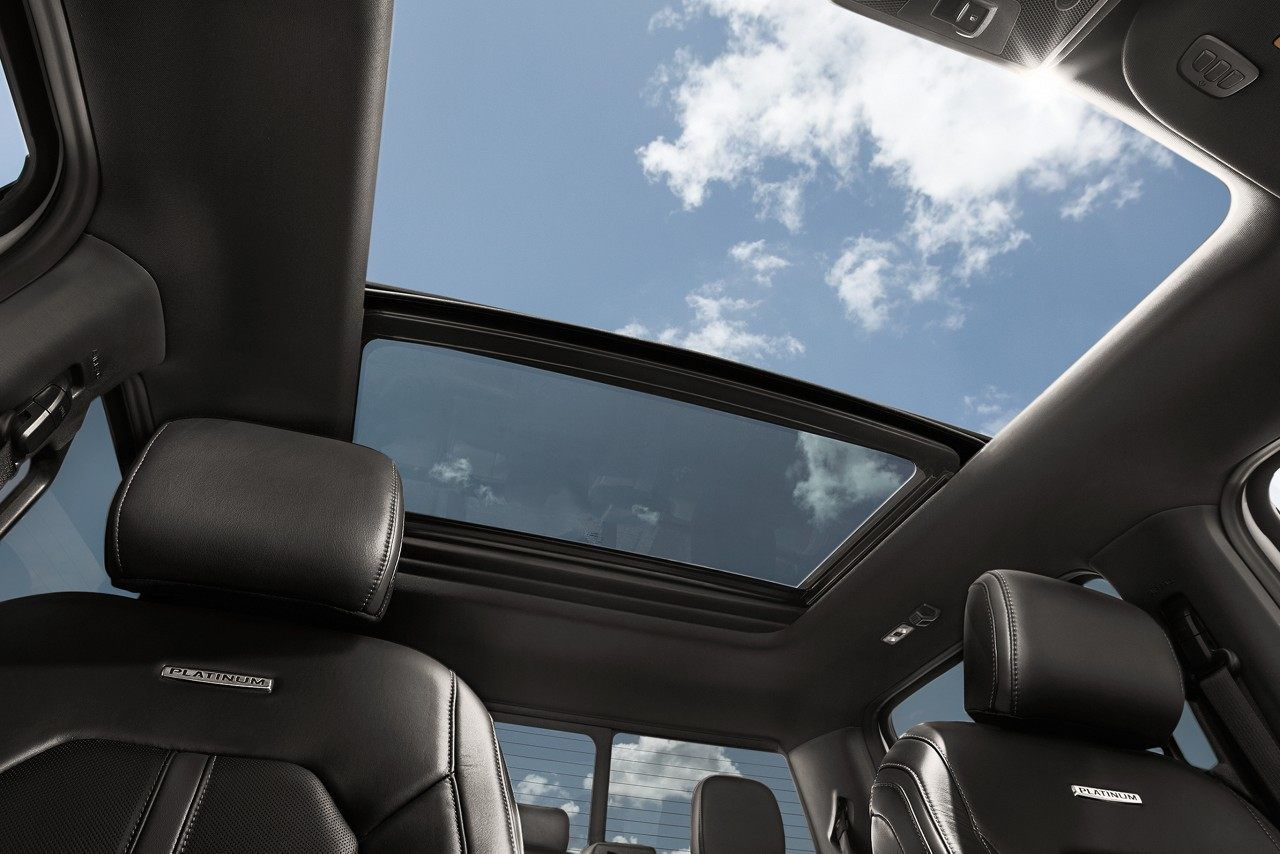 Twin Panel Moonroof More Sun And Air For The Whole Crew Available