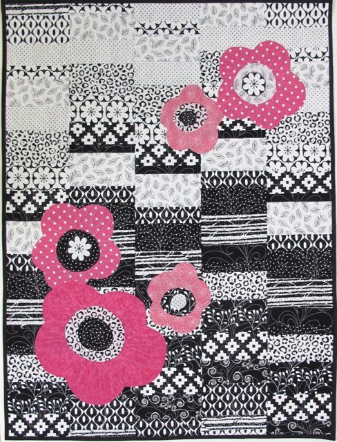 Playful+Posies+Quilt+by+Nancy+Zieman+from+the+2016+Quilt+Expo+Black+&+White+Plus+One+Challenge+