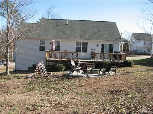 Check out this Single Family in KNIGHTDALE, NC - view more photos on ZipRealty.com: http://www.ziprealty.com/property/305-ROCK-HOUND-RD-KNIGHTDALE-NC-27545/52556289/detail?utm_source=pinterest&utm_medium=social&utm_content=home