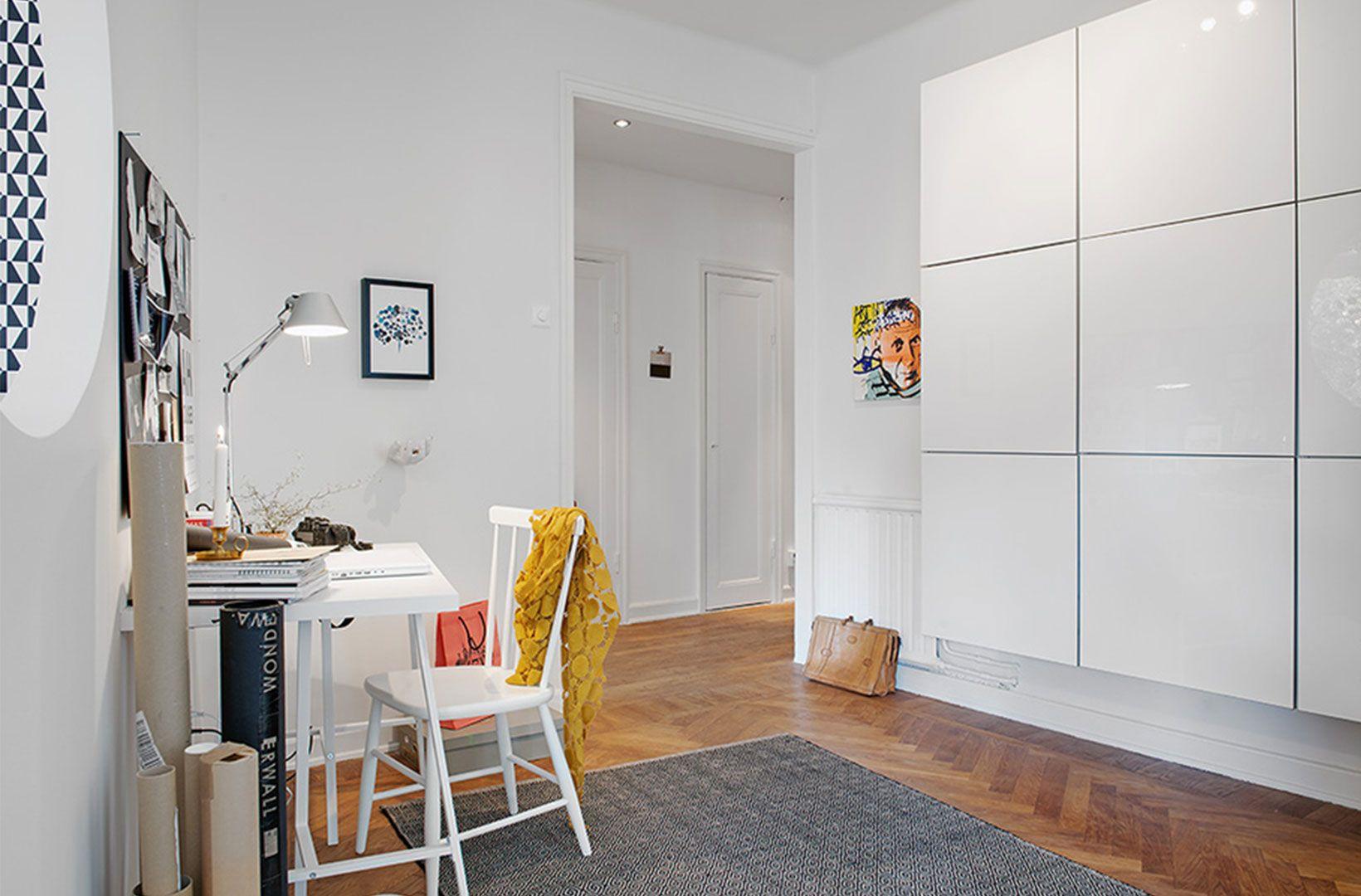 Functionalist style interior design material bílá lesk