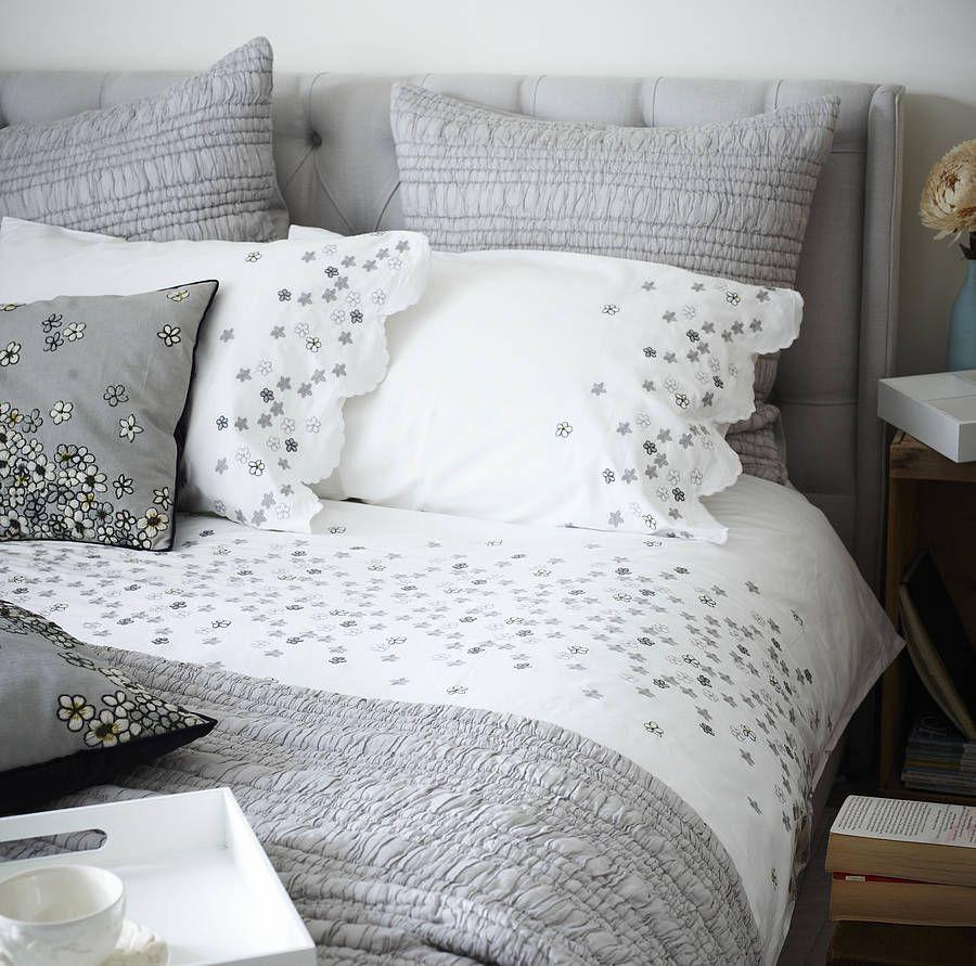 Hanoi Daisy Embroidered Bed Linen – Bedroom Linen