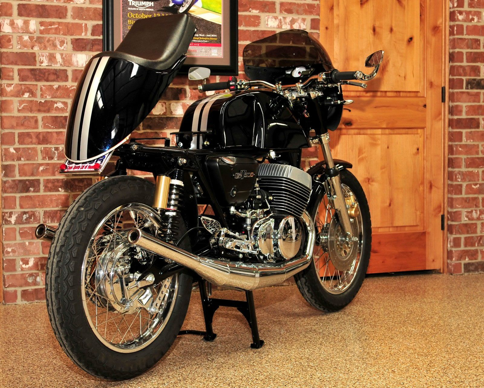suzuki gt500 with custom flip up tail section | japanese