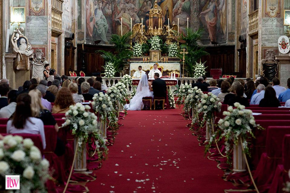 Carin And John S Wedding Ceremony Decorations At Church Of Santo Spirito In Rome
