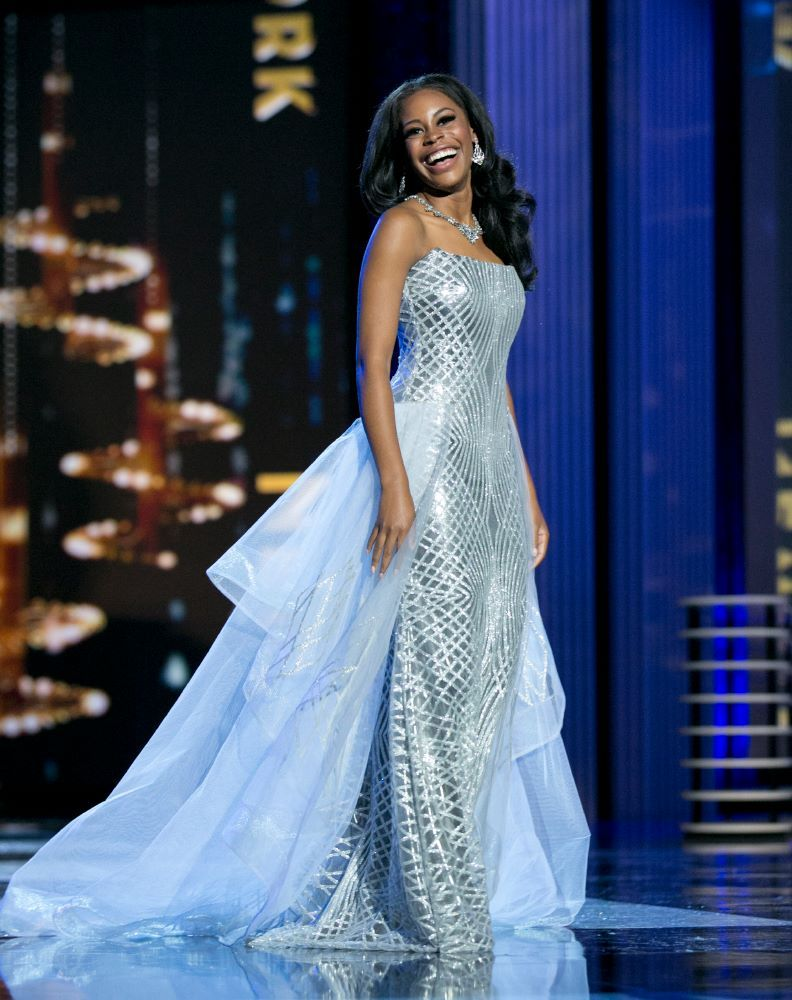 Miss America 2017 | Evening gowns | Pinterest | Gowns, Formal wear ...