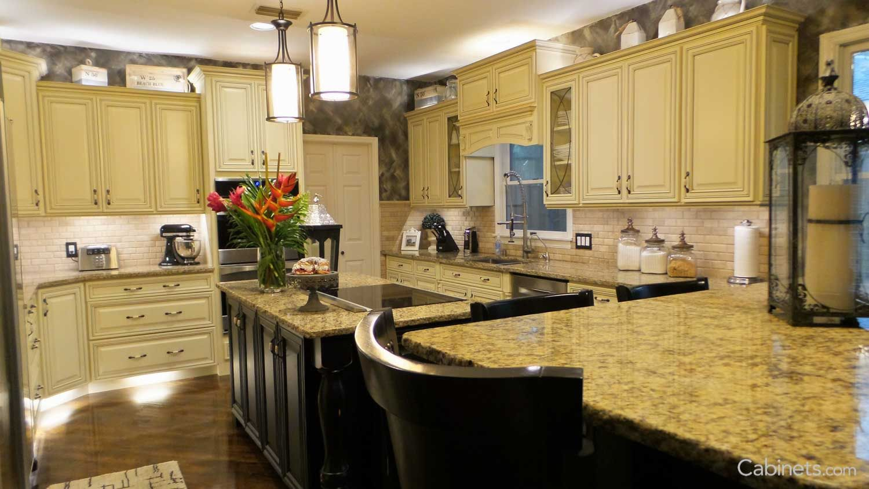 Bronson Maple Buttercream Coffee Glaze Off White Kitchens Kitchen Kitchen Caninets