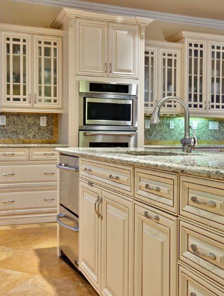 Cabinet Color Maple Amaretto Cream Glaze Kitchen Soffit