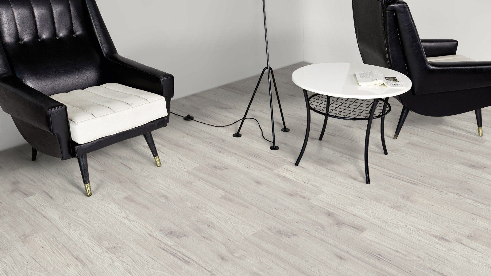 Ostend Fresno Effect Antique Finish Laminate Flooring 1 76 M² Pack Rooms Diy At B Q