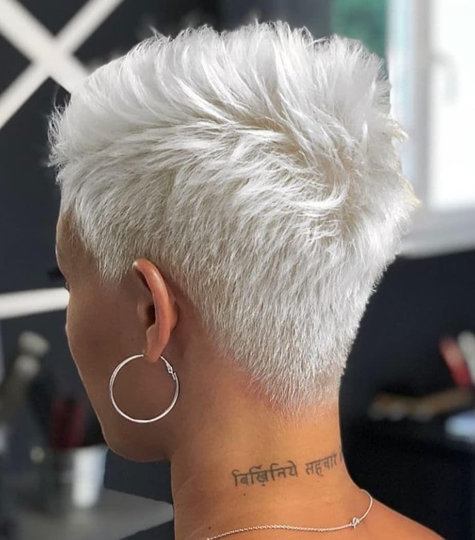 Kurze Haare On Instagram Omg In 2020 Extrem Kurze Haare Extrem Kurze Haare Frauen Kurzhaarfrisuren Trend