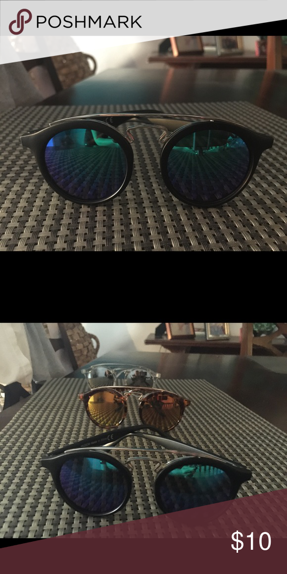 Black round frame blue mirror! Cute!❤️ Beautiful great quality black round frame blue mirrored! Get yours! And look sexy,cute and ready for whatever Sumer might bring! #lovemysunnies Accessories Sunglasses