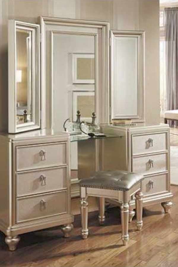 Diva Vanity Dresser And Mirror Set By Samuel Lawrence Furniture Diva Bedroom Mirror Stool Bobs Furniture