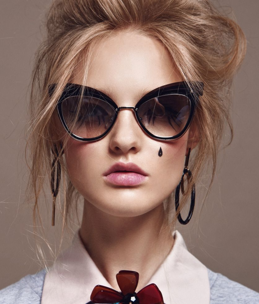 2bf18ad32e The new Cat-eye eyewear Marc Jacobs is here. Sunglasses Marc Jacobs 100 by